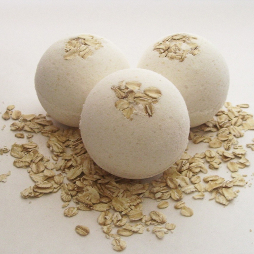 Oatmeal & Honey Bath Bomb